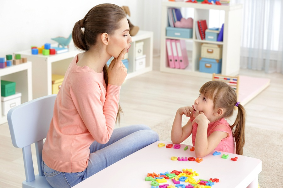 NDIS-speech-therapist-working-with-young-child